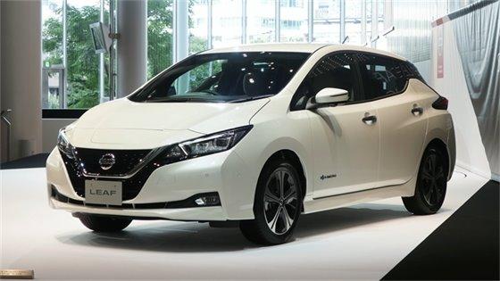 White nissan leaf vehicle